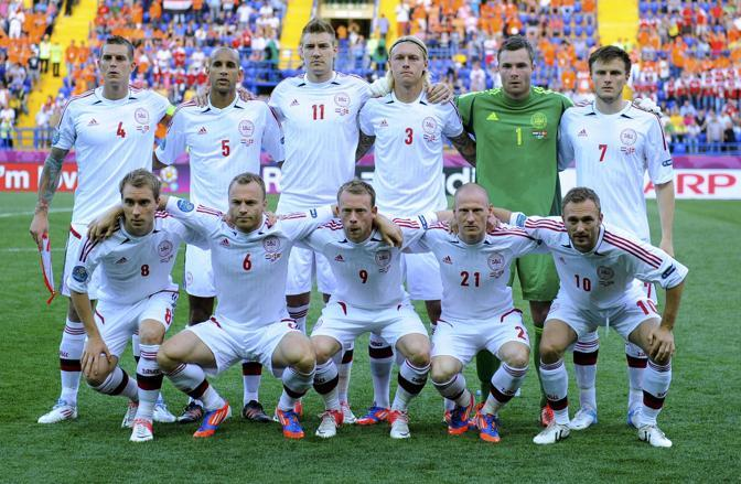Olanda-Danimarca, gli scandinavi posano prima della partita (Reuters/Ordonez)