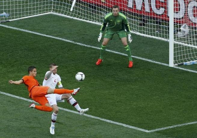 Olanda-Danimarca, una conclusione di Afellay (Reuters/Buholzer)