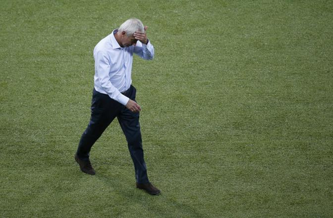 Olanda-Danimarca, tutta la delusione di coach van Marwijk  (Reuters/Buholzer)