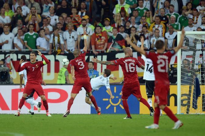 Germania-Portogallo, Cristiano Ronaldo e compagni esultano ma l'arbitro non convalida la rete (Afp/Pachoud)