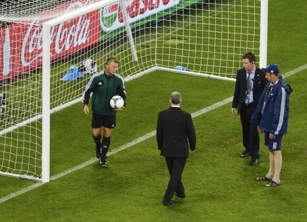 La palla rimbalza, si può ripartire (Reuters/Ordonez)