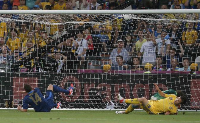 Menez al 17' andrebbe in gol, ma partendo da posizione irregolare (Reuters/Bianchi)