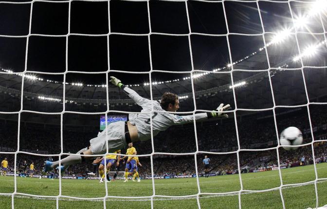 Il gol dell'1-0, segnato da Carroll della Gran Bretagna(Epa)