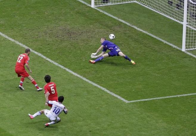 GRECIA-RUSSIA 1-0 - 47' del primo tempo, il gol di Karagounis (Reuters/Foeger)