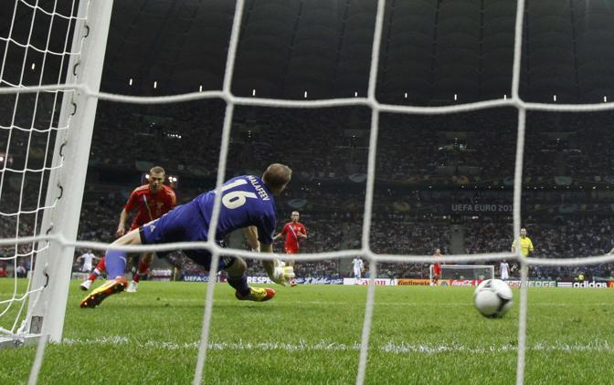 GRECIA-RUSSIA 1-0  (Reuters/Lauener)