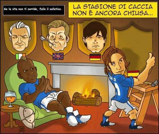 Su Facebook l'Italia si prepara alla finale. Dopo le teste del Trap (Irlanda), di Hodgson (Inghilterra) e Loew (Germania), appende al caminetto lo scudo che domenica sera potrebbe ospitare quella di Del Bosque (scaramanzia permettendo) (da Facebook)