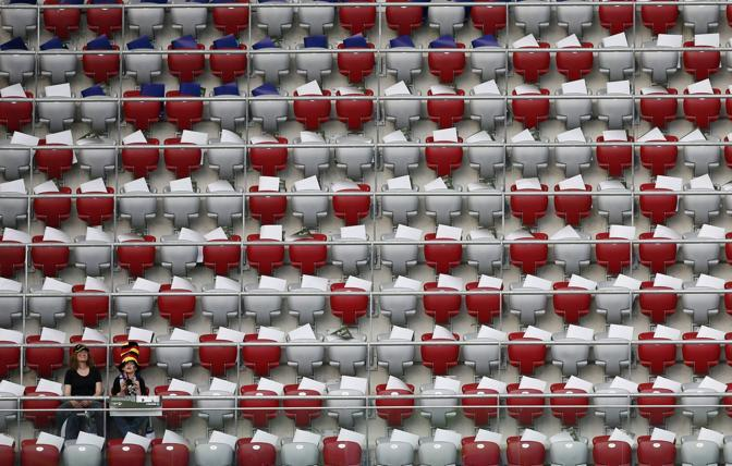 Lo stadio di Varsavia ancora semi-vuoto (Reuters/Foeger)