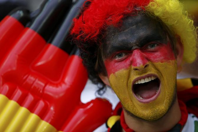Un leone per spaventare l'Italia (Reuters/Pfaffenbach)