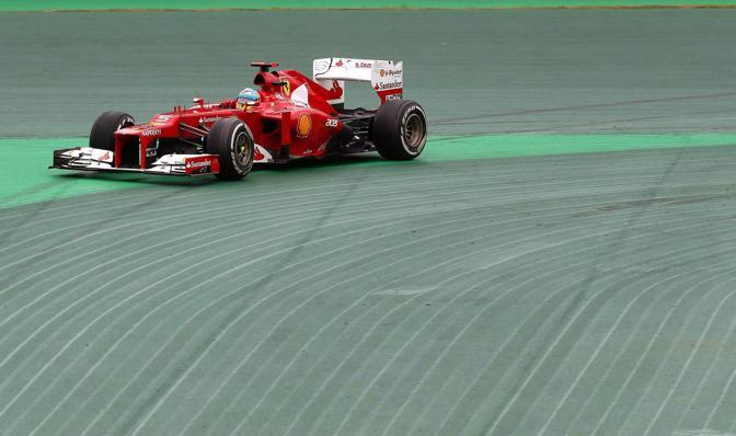 Fernando Alonso nel gp di Brasile (Epa)