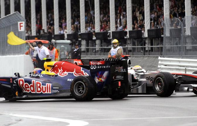 Collisione tra Mark Webber e Lewis Hamilton (AP) 