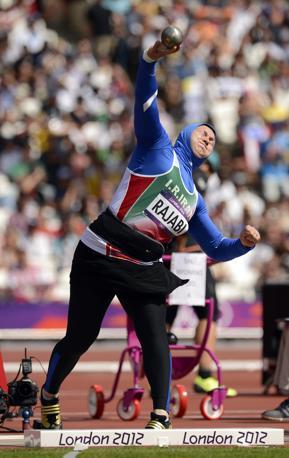 L'atleta iraniana Leyla Rajabi durante le qualificazioni del lancio del peso (Usa Today/Mercer)