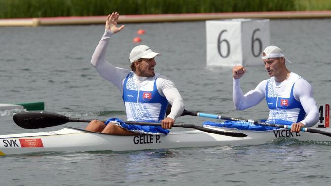 Gli sloveni Gelle e Vlcek dopo la semifinale di canoa 1000 metri