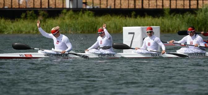 La squadra polacca vince la semifinale dei 500 metri