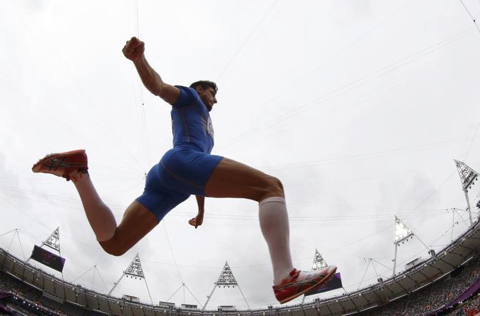 Il nostro Daniele Greco alle prese col salto triplo. Insieme a Fabrizio Donato gareggerà in finale, giovedì alle 20.20  (Reuters)