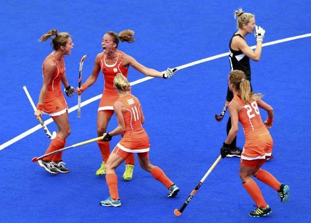 Hockey su pista, l'urlo delle olandesi durante la semifinale con la Nuova Zelanda (Reuters)