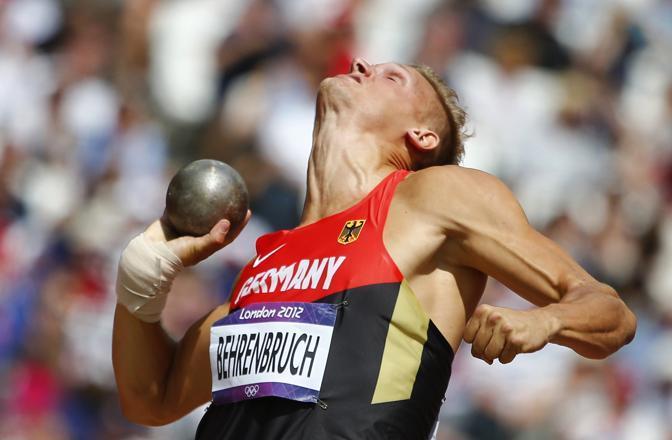Decathlon, il tedesco Behrembruch nel lancio del peso (Reuters)