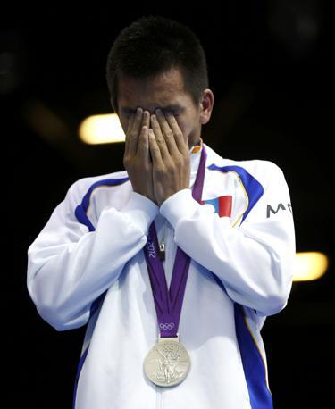 La medaglia d'argento Nyambayar di nazionalità mongola nella categoria 52kg, boxe (Reuters)