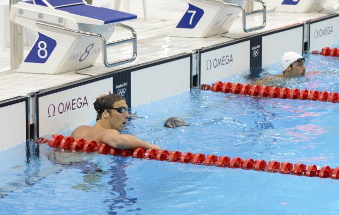 Quasi incredulo lo statunitense Michale Phelps, 8 ori a Pechino e (e 6 ad Atene): nella prima gara di Londra, i 400 misti, non arriva nemmeno al podio (Reuters)