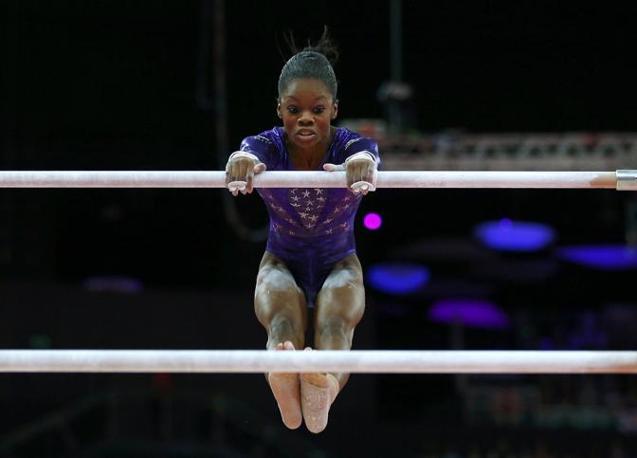 L'americana Gabrielle Douglas nelle parallele asimettriche, ginnastica artistica (Reuters)
