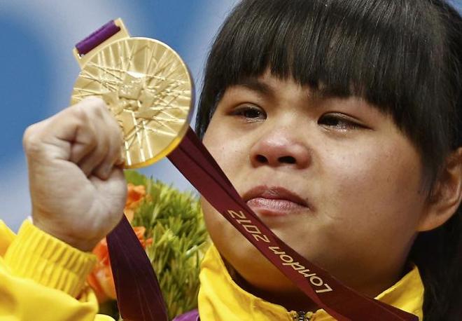 La kazaka Zulfiya Chinshanlo oro nel peso 53 kg a Londra 2012