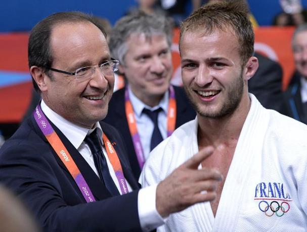 Che vincerà il francese Ugo Legrand, complimentato per l'occasione nientemeno che dal presidente Hollande (Epa)
