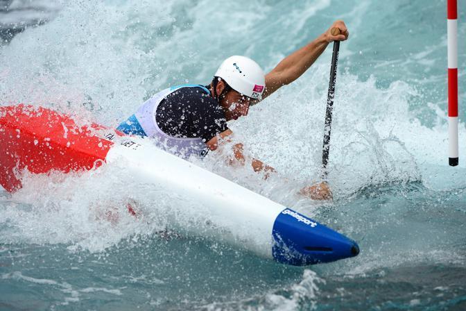 Il francese Tony Estanguet nella canoa slalom C1: conquista l'oro, il terzo di seguito nella specialità, dopo Atene e Pechino. E' il primo francese a vincere tre ori consecutivi (Afp)