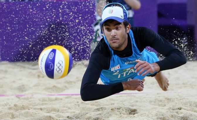 Daniele Lupo della squadra italiana di Beach Volley eliminata dalla Svizzera (Ap)