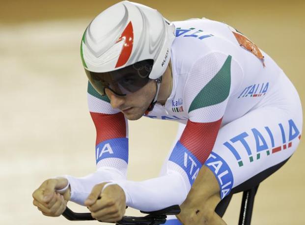 È arrivato vicino al podio, ma all'ultima prova Elia Viviani non ce l'ha fatta: battuto nel chilometro lanciato dal danese Hansen (poi oro), si è classificato sesto (Ap)