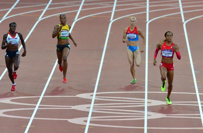Mentre l'americna Sanya Richards-Ross � oro nei 400 (Afp)