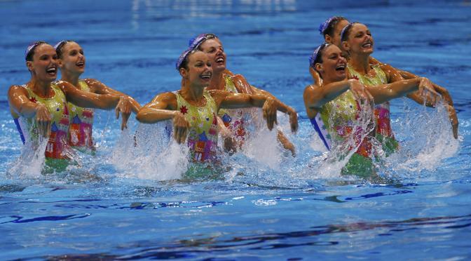 Nuoto sincronizzato, l'esibizione della squadra australiana (Reuters)