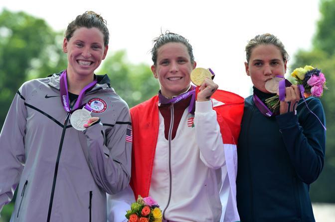 Il podio: l'ungherese Eva Risztov, oro, la statunitense Haley Anderson, argento e l'azzurra Martina Grimaldi, bronzo. (Afp/Acosta)