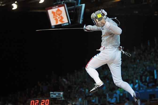 Londra Olimpiadi 2012: Aldo Montano esulta dopo la qualificazione alle semifinali di sciabola a squadre (Olycom)