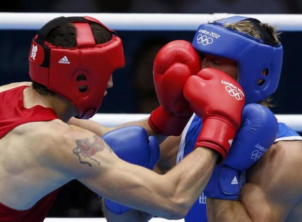 Nel primo round «Tatanka» è andato in evidente difficoltà (Reuters/Sezer)