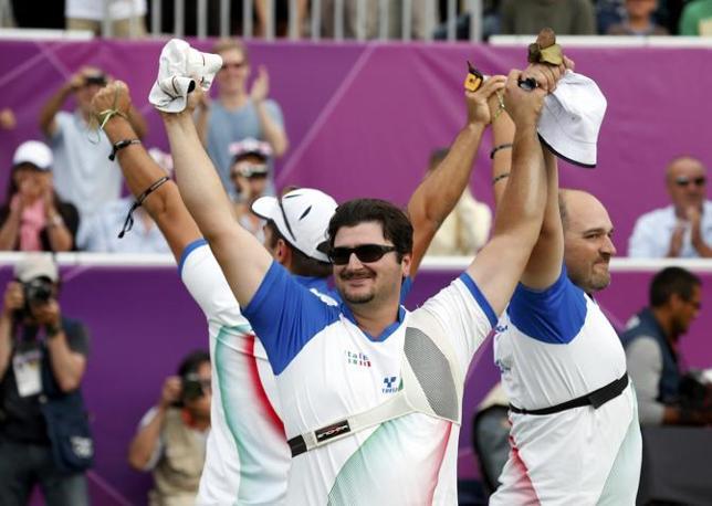 Michele Frangilli, Mauro Nespoli e Marco Galiazzo hanno sconfitto gli Stati Uniti per 219-218 (Reuters)