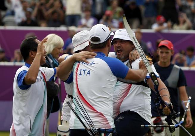 Il tiro con l'arco ha regalato il primo oro all'Italia (Reuters)