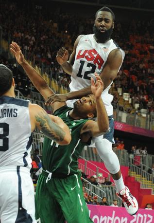 Gli Stati Uniti travolgono 156-73 la Nigeria in un match valido per la terza giornata del torneo di basket alle Olimpiadi di Londra (Afp/Ralston)