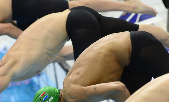 La semifinale dei 100 metri delfino