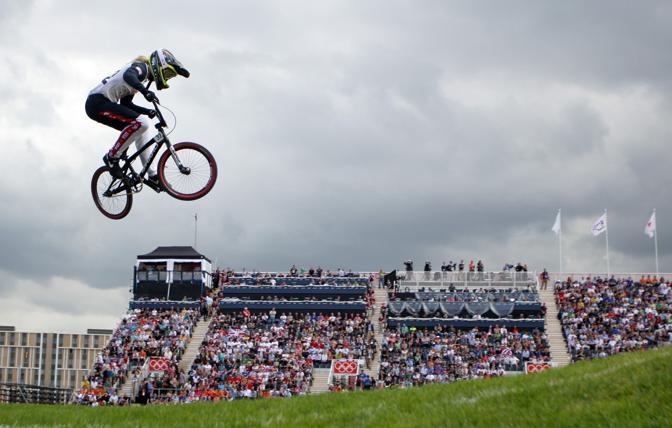Le gare di Bmx che si sono disputate mercoledì a Londra hanno visto impegnati gli atleti in  salti e acrobazie  Per Manuel De Vecchi. Giovedì pomeriggio le eliminatorie (Corbis)
