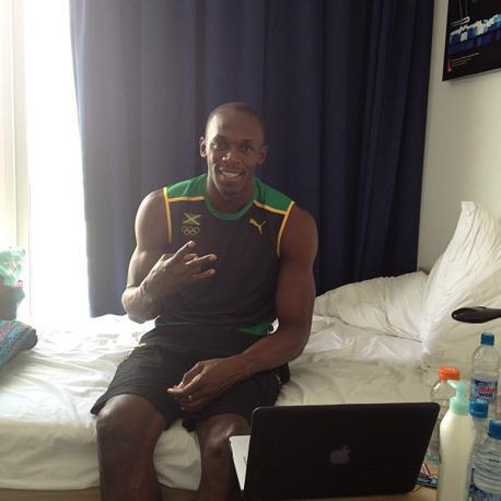 «Sono pronto a ripartire» scrive su Twitter il giamaicano che archiviato l'oro e la festa si preoara a tornare in pista per le batterie dei 200 metri.