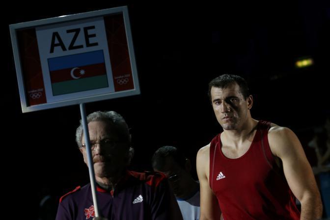 A chiusura del programma di boxe della giornata di venerdì salgono sul ring per la semifinale dei supermassimi l'azero Medzhidov e l'azzurro Roberto Cammarelle (Reuters/Sezer)