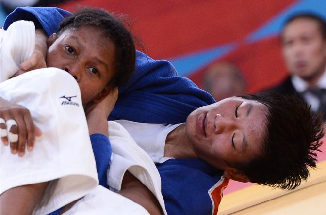 La cinese Fei Chen, in blu (Afp)