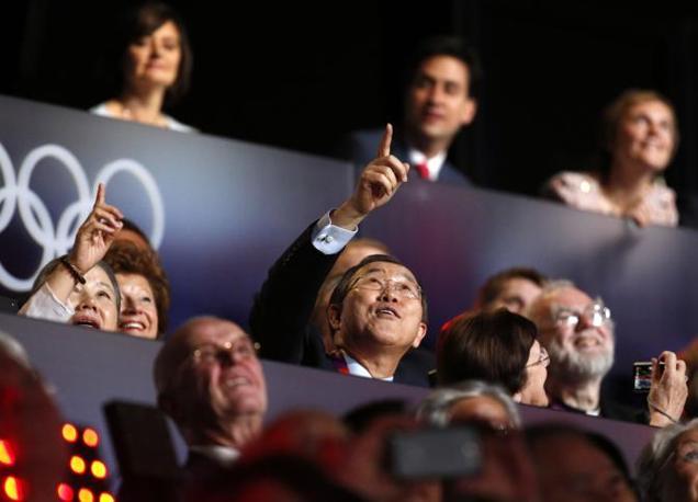 Il segretario generale dell'Onu, Ban Ki-Moon assiste alla cerimonia inaugurale (Ap)