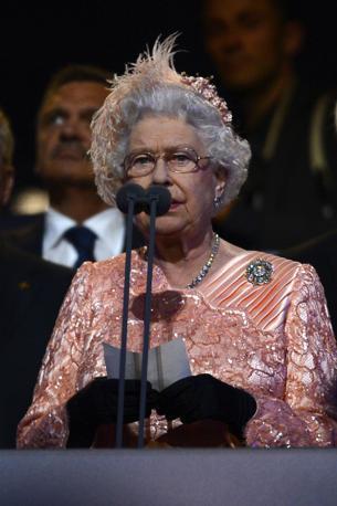 Sua Maest� la regina Elisabetta II dichiara aperti i �trentesimi Giochi Olimpici dell'era moderna� (Afp)