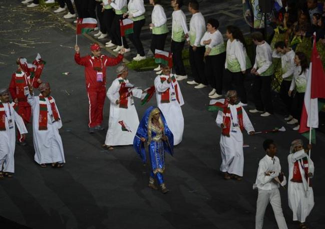 Anche l'Oman - portabandiera Ahmed Al-Hatmi - sfila portando una donna a Londra 2012 (Richard Mackson-Usa Today)
