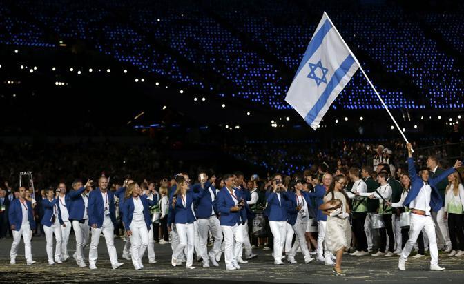 A Monaco, in un attacco al Villaggio olimpico dei terroristi palestinesi, morirono 2 atleti. Altri 9 furono uccisi durante un blitz per tentare di liberarli  (Reuters/Sezer)