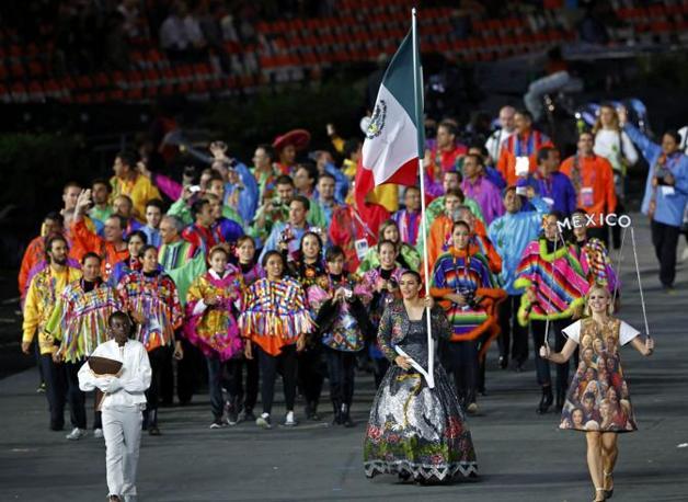 La delegazione messicana dai colori sfavillanti (Reuters)