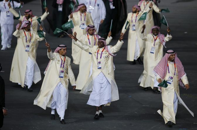 La delegazione dell'Arabia Saudita e i tradizionali abiti del Paese (Reuters)