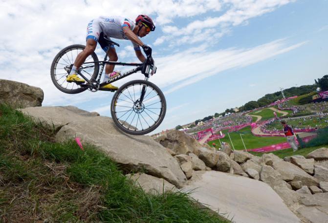 Impresa di Marco Aurelio Fontana nella gara di mountain bike. Conquista il terzo posto dopo una gara condotta nel gruppo di testa (Epa)