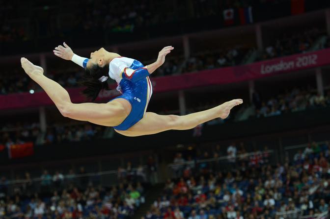 Finale di ginnastica artistica a squadre. Ginnastica artistica La romena Catalina Ponor alla trave durante (Afp)