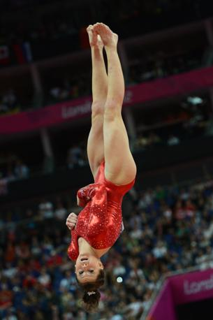 Brittany Rogers, Canada, in un volteggio (Afp) 